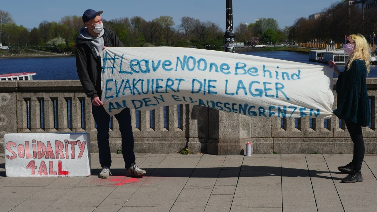 #leave no one behind  –  Mahnwache an der Alster